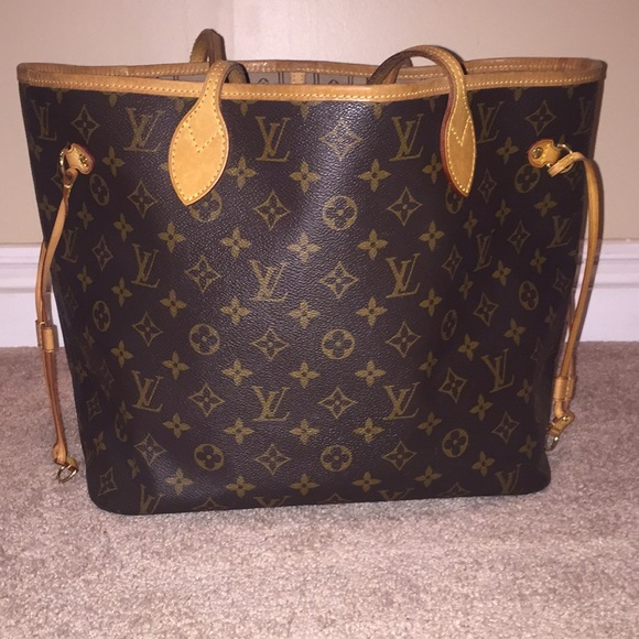 517624ce85 Louis Vuitton Handbags - Pre owned Louis Vuitton Neverfull PM handbag
